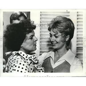 1973 Press Photo Mercedes McCambridge Shirley Jones in Girls of Huntington House
