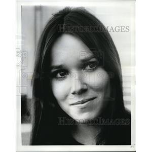 1968 Press Photo Barbara Hershey With Six You Get Eggroll - orp18522