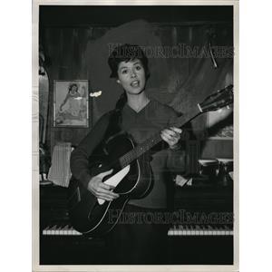 1965 Press Photo Bonnie Jones Perry Mason - orp17162