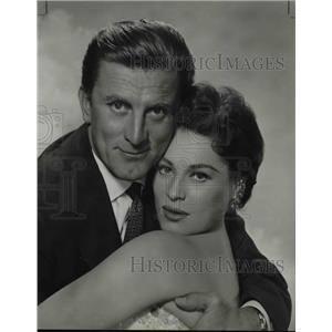 1955 Press Photo Katy Jurado and Kirk Douglas star in The Racers - orp16440