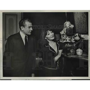 """1960 Press Photo Juliette Greco Charles Cllingwood in """"Person To Person"""""""