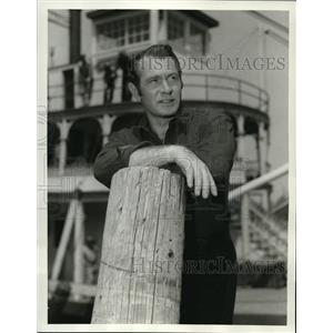 1959 Press Photo Darren McGavin as sternwheeler captain Grey Holden