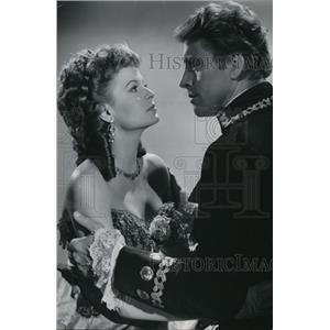"1952 Press Photo Burt Lancaster Eva Bartok ""The Crimson Pirate"" - orp19582"