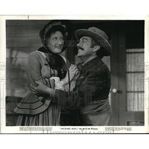 1942 Press Photo J. Carrol Naish in Jackass Mail scene - orp20238