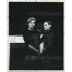 1964 Press Photo Pat Merrill and Neana Davidoff Actress