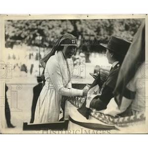1918 Press Photo Mrs William McAdoo & Red Cross workers