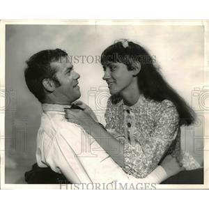 1966 Press Photo Joanne Roberti & Keith Neubauer - orp23633