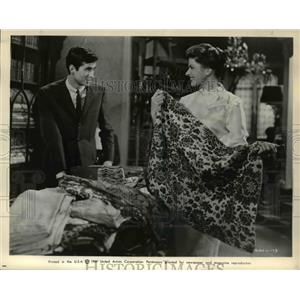 1961 Press Photo Tony Perkins and Ingrid Bergman star in Goodbye Again