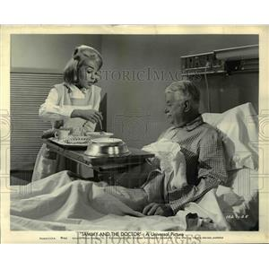 1963 Press Photo Tammy ANd The Doctor Reginald Owen - orp22766