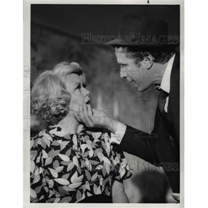 1976 Press Photo Dorothy Malone and Wayne Rogers star in City of Angels