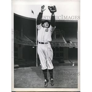 1945 Press Photo Joe Hoover 2nd baseman of Detroit Tigers - nes25582
