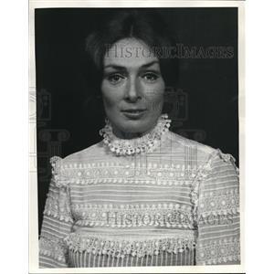 1971 Press Photo Gaynor Sterhi in Candida - orp27657