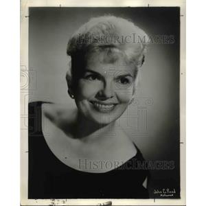 1962 Press Photo Bettina Shaw in New England, Usa - orp26347