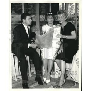 1962 Press Photo Rebecca and Don Weiss And Hellen O'Connell