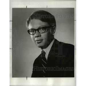 1969 Press Photo John Laurence stars in Generations Apart
