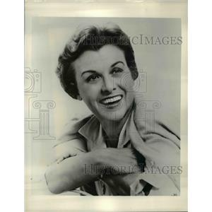 1958 Press Photo Roberta Sherwood in Cinderella of Song - orp27019