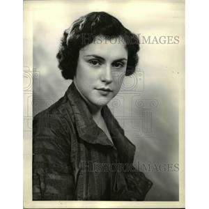 1935 Press Photo Evelyn Simon stars on Al Jolson's Shell Chateau NBC Radio