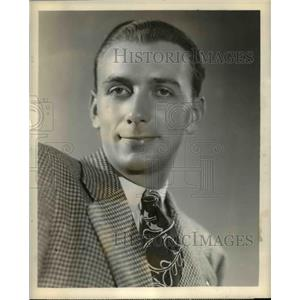1946 Press Photo Walter Scheff in Fred Waring Show - orp26423