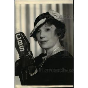 1935 Press Photo Fritzi Scheff on Lavender & Old Lace - orp26422