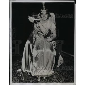 1935 Press Photo Dorthea Jarecki In Helen Of Troy