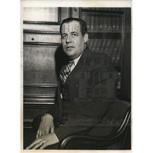 1931 Press Photo Guy Watts donated his blood to Major Clarence Edwards