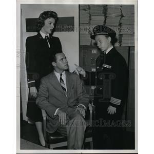 1957 Press Photo Jack Lemmon, Joan Marshall & Tiger Fafara in Souvenir
