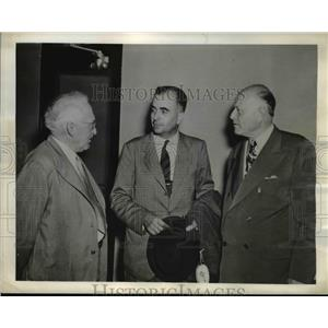 1943 Press Photo Dr. Alberto Paz, with united press James H. Furay & Carl Bickel