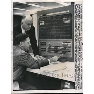 1957 Press Photo Data Processing Machine Vanguard computing Center Washington