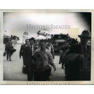 1950 Press Photo Invasion soldier at Itazuko air base Japan for South Korea
