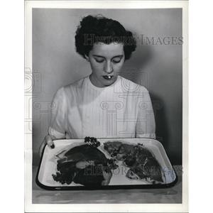 1942 Press Photo Government limits amount of meat to eat each week.