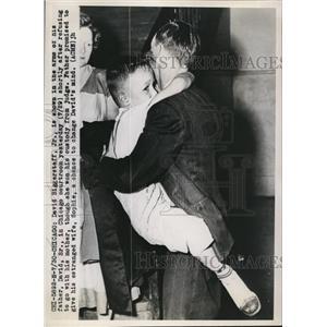 1949 Press Photo David BIggerstaff Sr. loses custody battle of David Biggerstaff