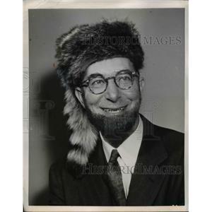 1952 Press Photo Senator Estes Kefauver in Coonskin Cap