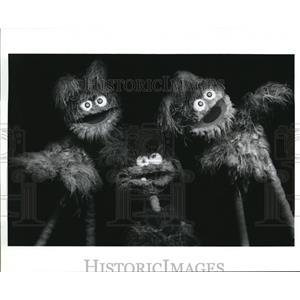 Press Photo Baby Teeth And Fuzzy Funk On Sesame Street - cvp56893