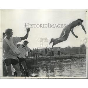 1935 Press Photo Coxsweain Reginald Watt at Long Beach Calif crew race
