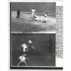 1951 Press Photo NY Yankees Gil McDougald vs Braves John Logan World Series