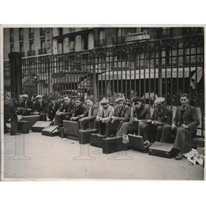 1938 Photo French recruits Gare de l'Est wait to go to Maginot Line