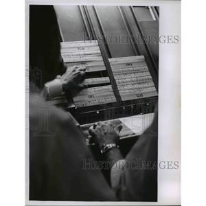 1962 Press Photo Cleveland FAA Air route traffic control center - nee16089