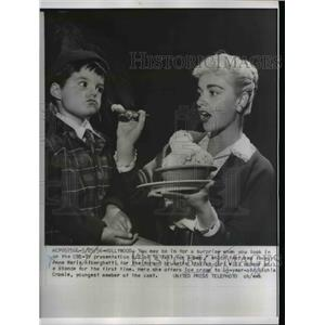 1956 Press Photo Anna Marie Alberghetti offers ice cream to Richie Cromie
