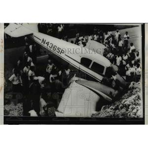 1960 Press Photo The bullet riddled plane where pilot Matthew Edward Duke died