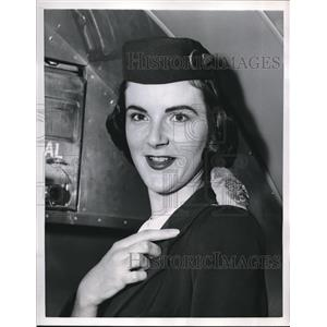 1956 Press Photo Dixie Golladay,Delta Airlines Stewardess - nee18667