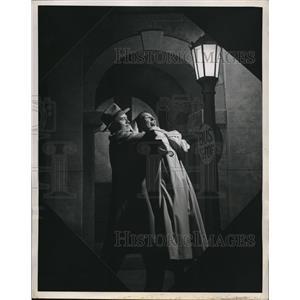 1948 Press Photo Lester Mack & Hazel Kempf in Westinghouse Streetlight Campaign