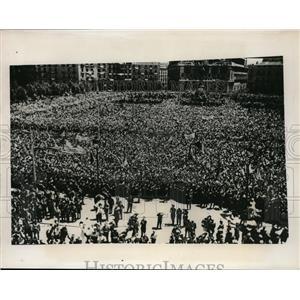 1947 Vintage Press Photo Plaza de Oriente Madrid to honor Eva Peron