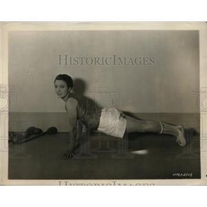 1925 Photo silent film actress Pauline Starke working to stay shape
