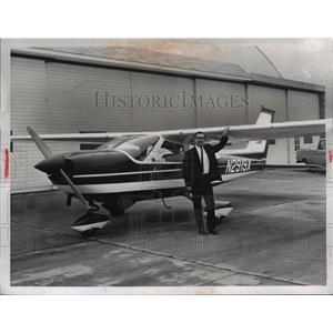 1967 Press Photo Charles Bobbitt Cardinal Cessna Casement Airport Painsville