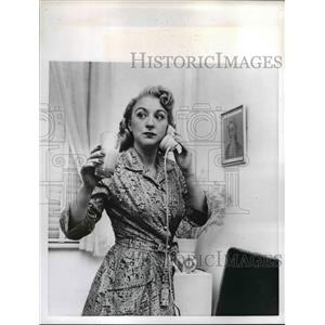 1956 Press Photo Geraldine Hanning acts, sings, and models hands - nee24649