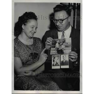 1959 Press Photo Paulis & Elena Leonas Await Release of Children from Lithuania
