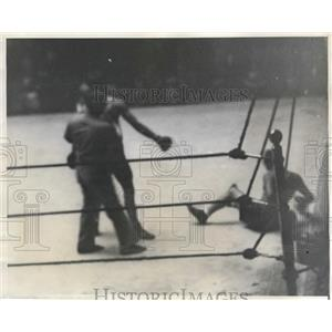 1929 Press Photo Young Zazzarino KO'd by Al Singer in the 6th round