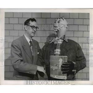 1955 Press Photo Stew Pidd and Arthur J. Neiler - nee38663