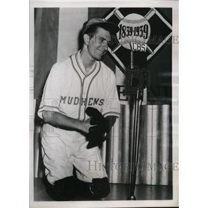 1939 Vintage Press Photo handicap player Jimmy Hill of Muncie Mudhens