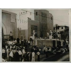 1936 Press Photo California Technical Institute $2m glass to telescope mirror